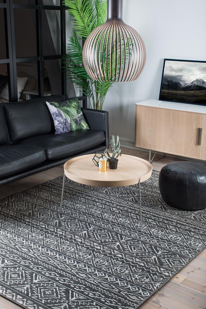 Strålande Lerhamn - Aztek mönstrad tålig matta - Nylanders Mattor BI-37