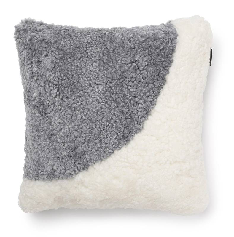 Skinn Curly Moon Pillow
