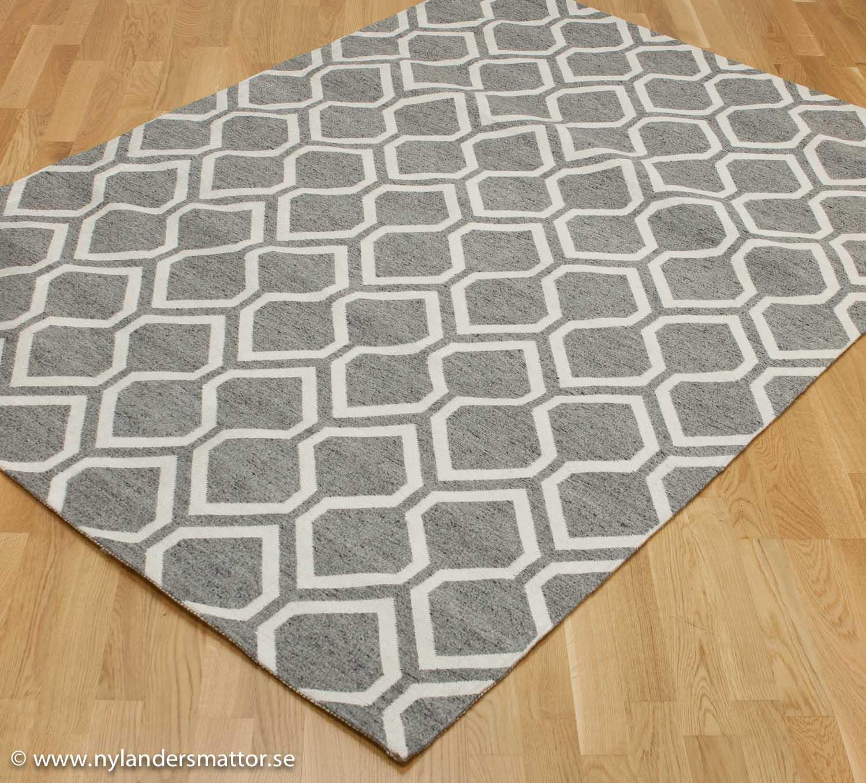 Babylon   grafiskt mönstrad matta i ull   nylanders mattor